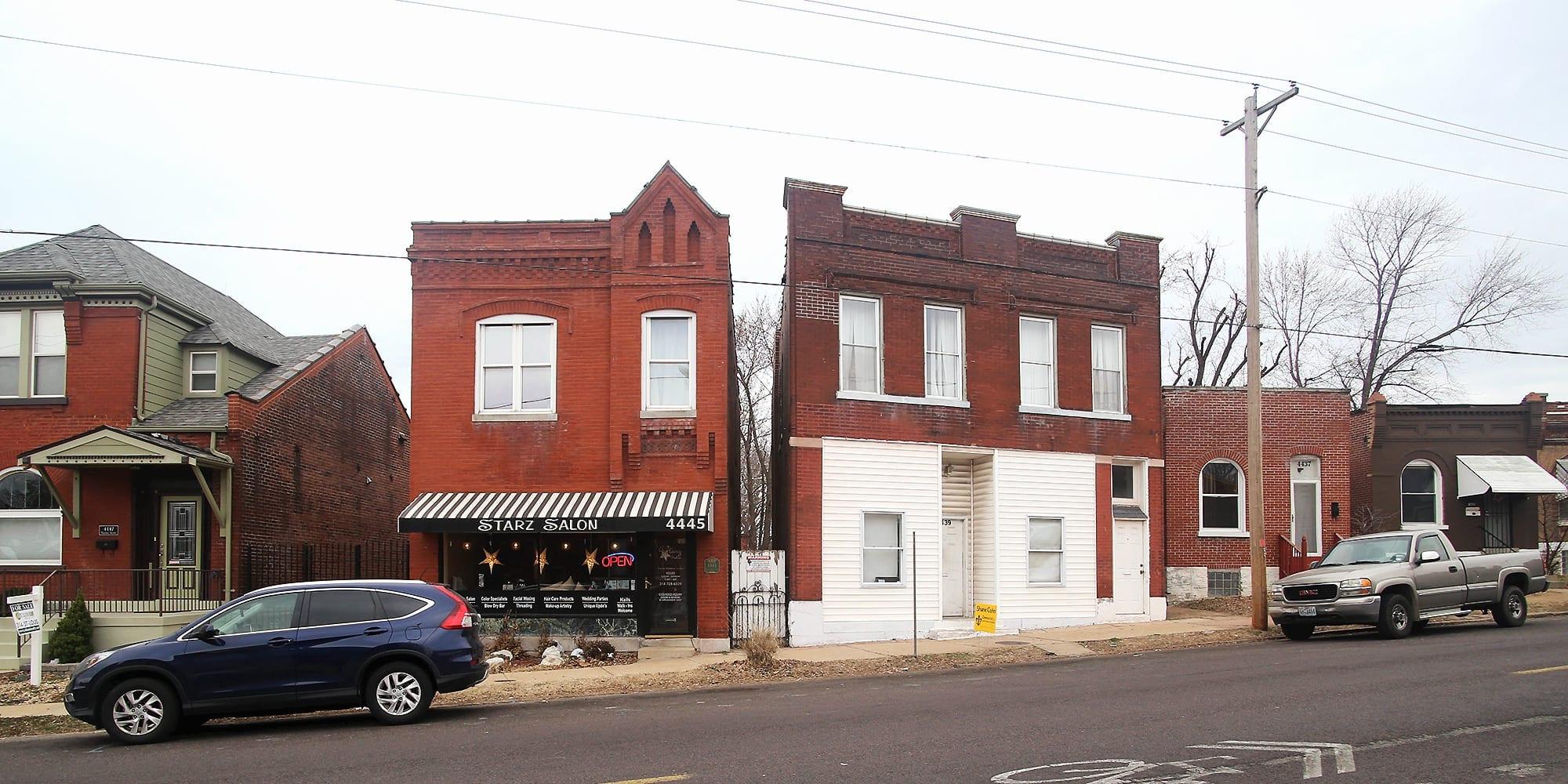 Starz Salon on the 4400 block of Virginia Avenue in Dutchtown. Photo by Paul Sableman.