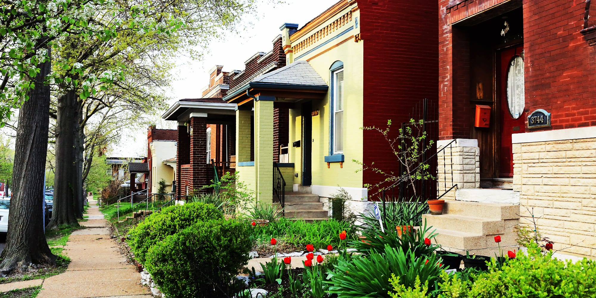 Houses on Virginia Avenue. Photo by Paul Sableman.