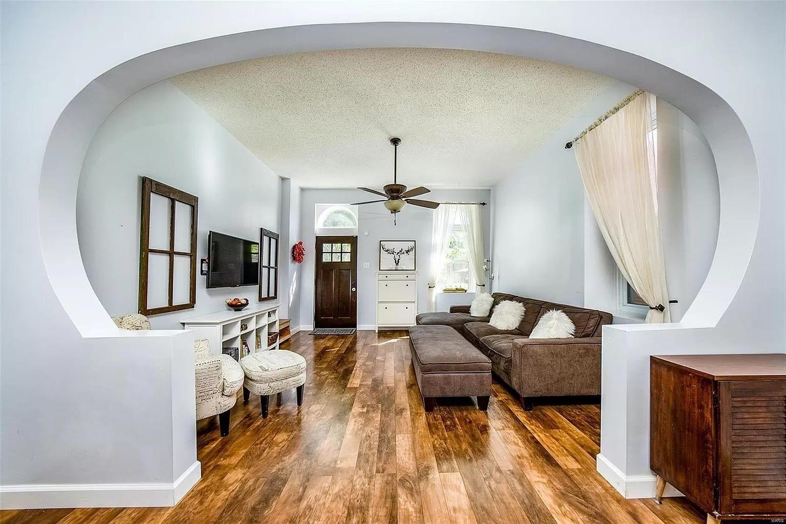 Real estate listing photos of 4217 Louisiana.