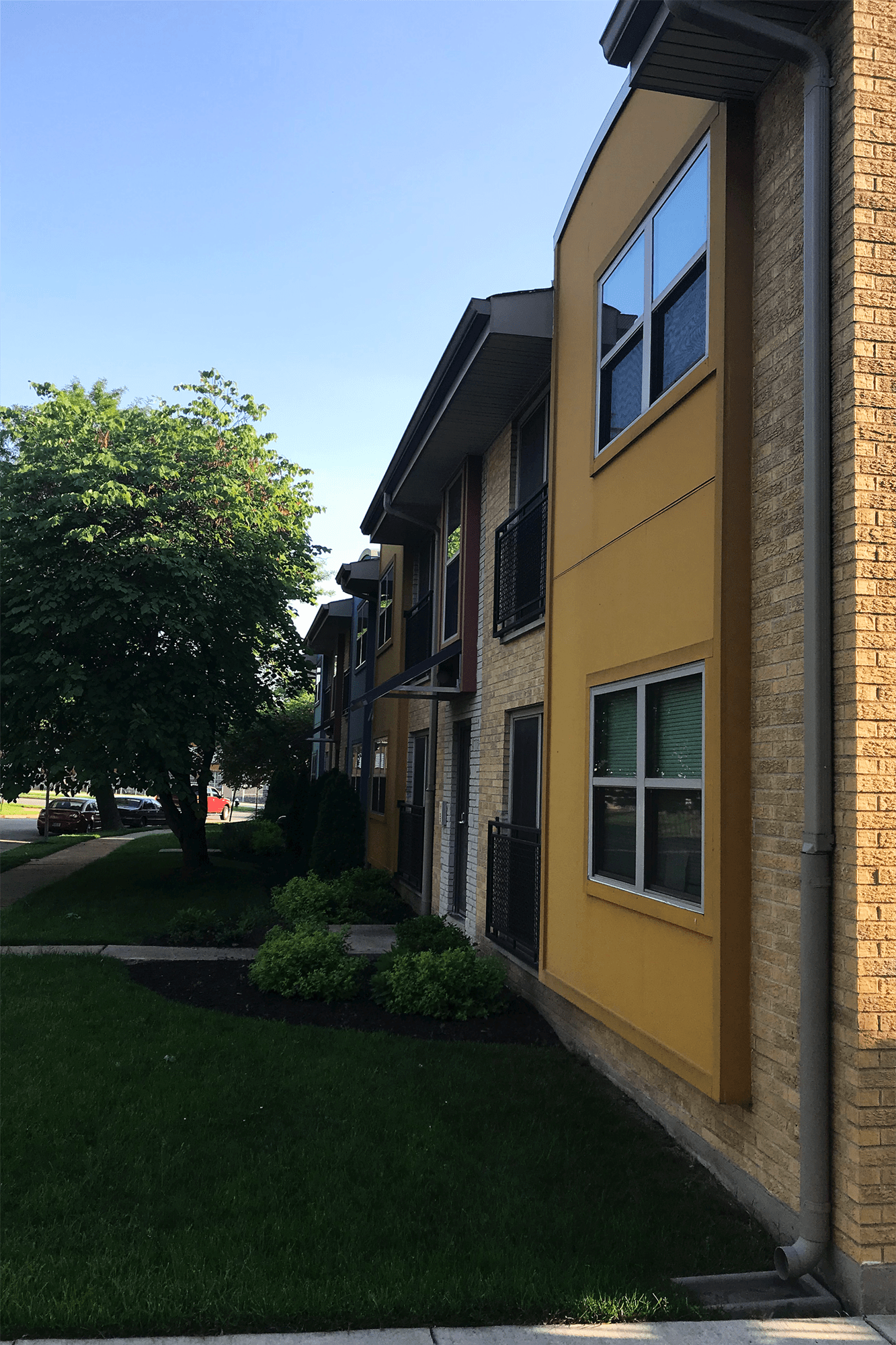 Fox Manor Apartments on Spring Avenue, one of Landmarks St. Louis' Most Enhanced award winners.